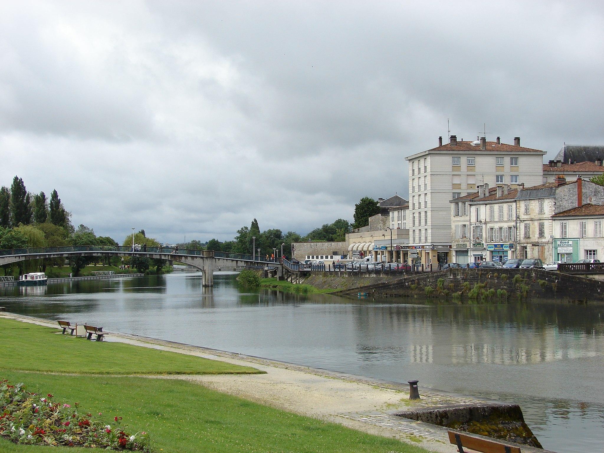 Nouvelle aquitaine-Poitou-Charentes-France-pas cher